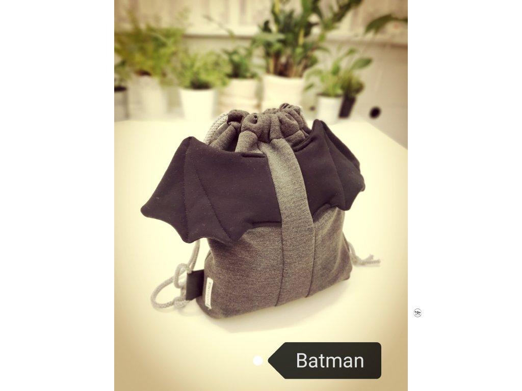 Šedy batoh Batman