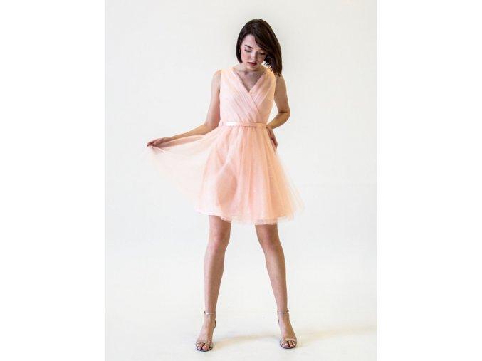 Růžové krátké šaty do tanečních