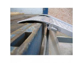 Nájezdová rampa s bočním vedením D70, pár, 1500x500 mm, stopa min. 300 mm