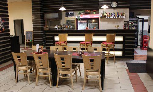 V restauraci LaRocket využívají stojan Corynor Desin