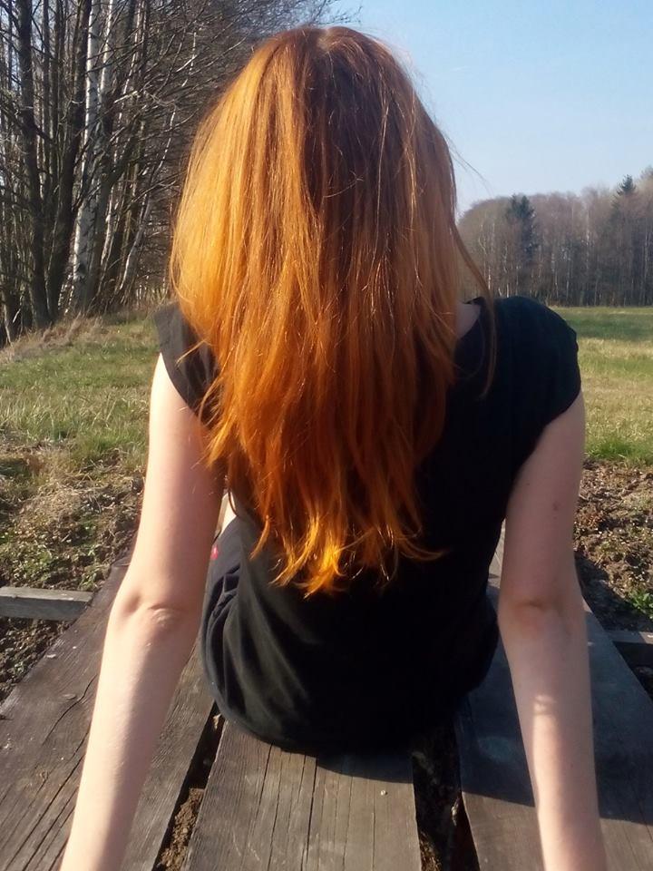 Zesvětlení hennovaných vlasů přírodní barvou - jde nebo ne?