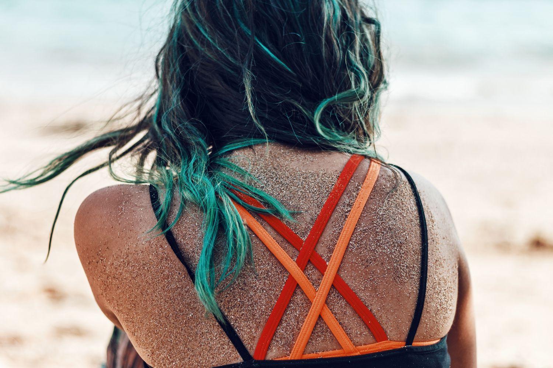 Proč máte po henně zelené vlasy?