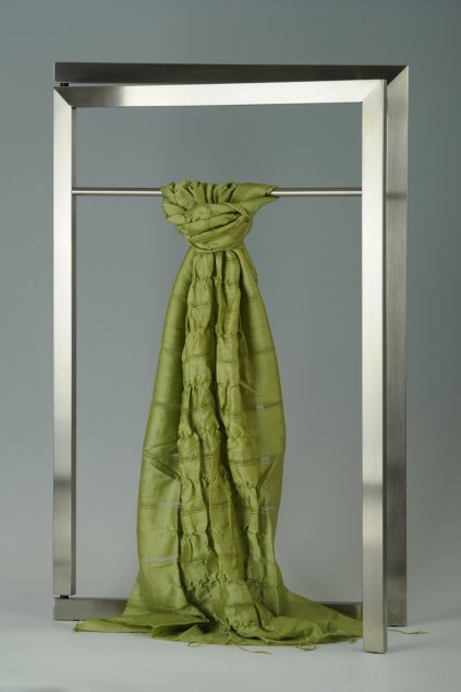 Šála z hedvábí a bavlny s jemnými proužky, plisovaná HBP_219