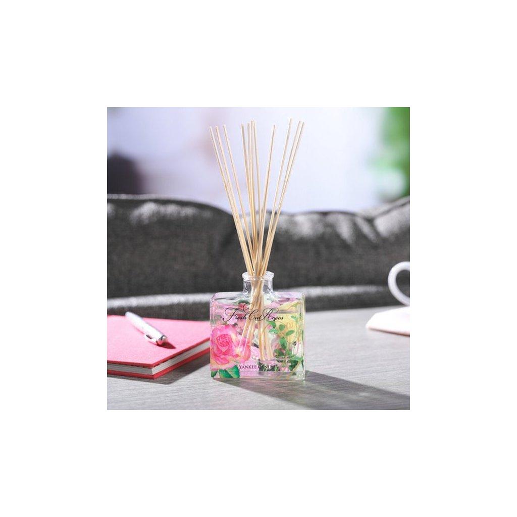 Yankee Candle - aroma difuzér Fresh Cut Roses (Čerstvě nařezané růže) 88 ml