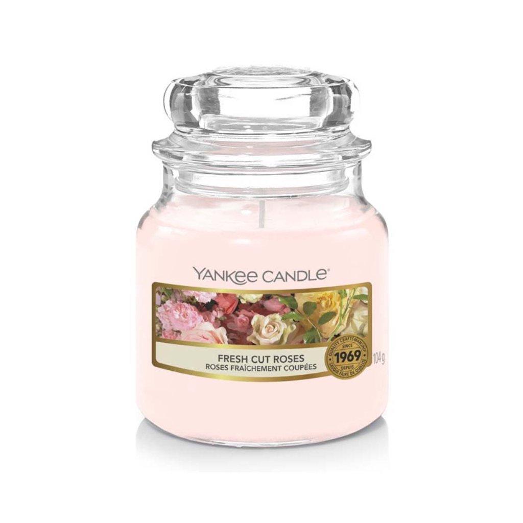 Yankee Candle - vonná svíčka Fresh Cut Roses 104g