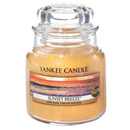 Yankee Candle - vonná svíčka Sunset Breeze (Vánek při západu slunce) 104g