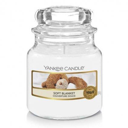 Yankee Candle - vonná svíčka Soft Blanket (Jemná přikrývka) 104g