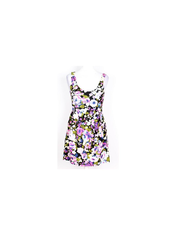 černé mini šaty s květy