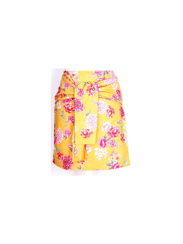 žlutá sukně s květy