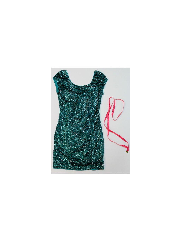 zelené šaty s flitry