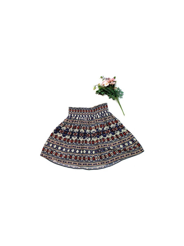 sukně s ornamenty