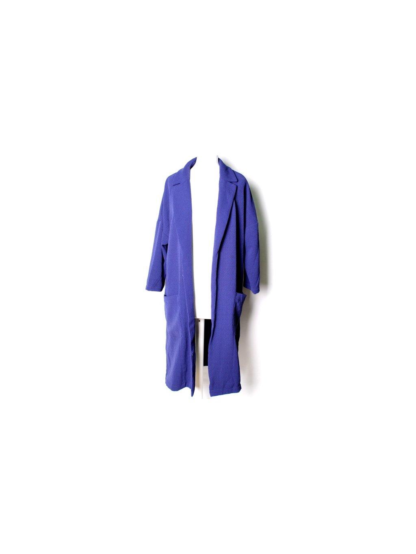 Modrý podzimní kabát