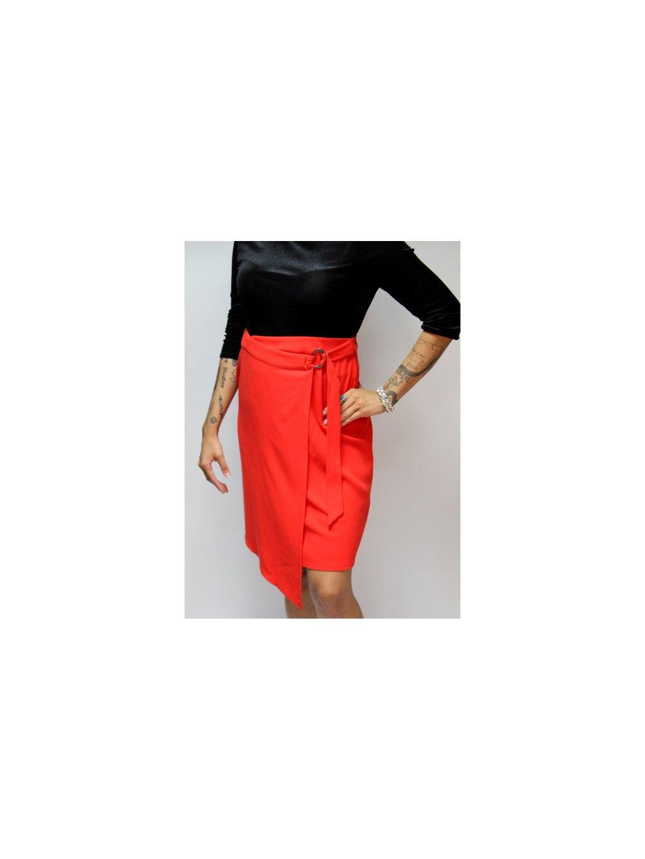 červená zavinovací sukně