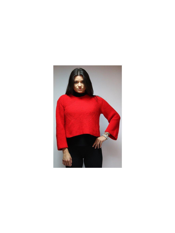 červený svetr