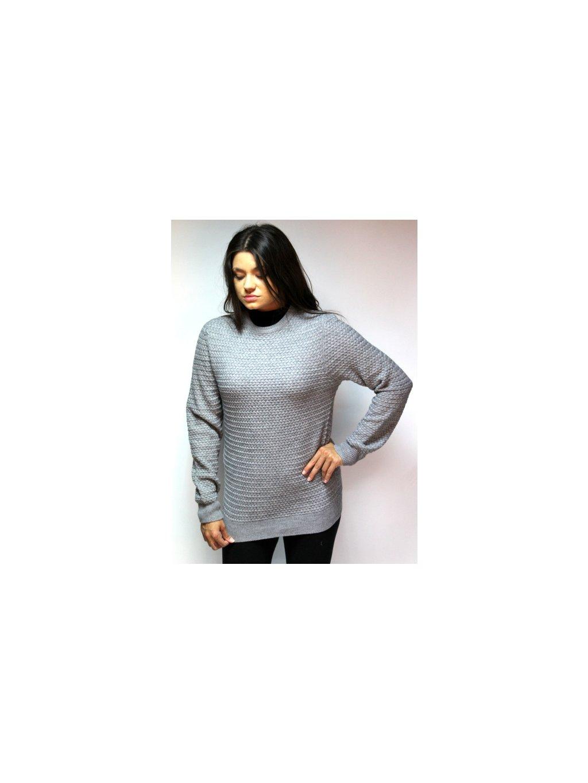 šedivý svetr