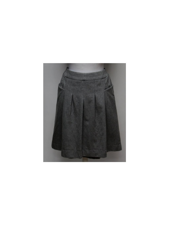šedá skládaná sukně s kapsami