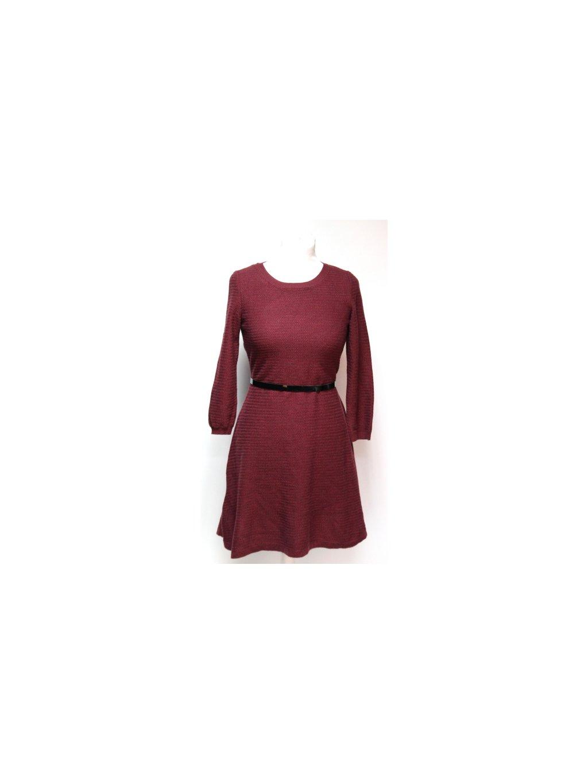 vínové svetrové šaty
