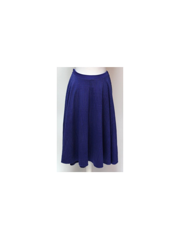 modrá sukně s pruhy