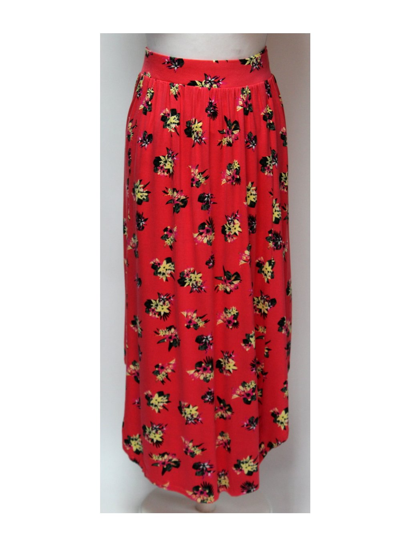 růžová sukně s květy