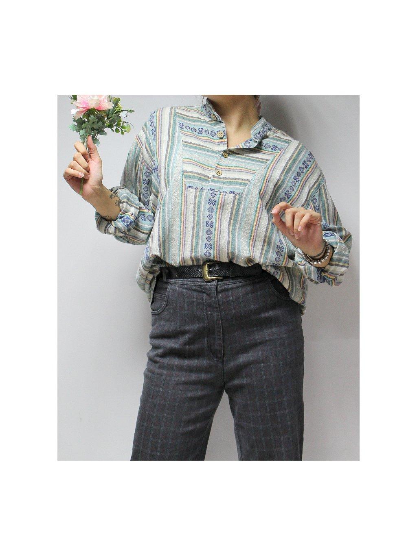 retro košile se vzorem