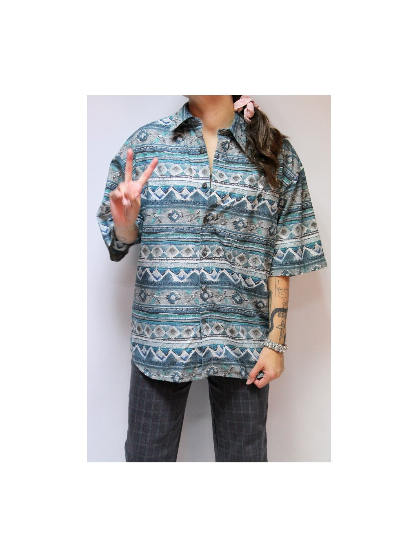 košile se vzorema