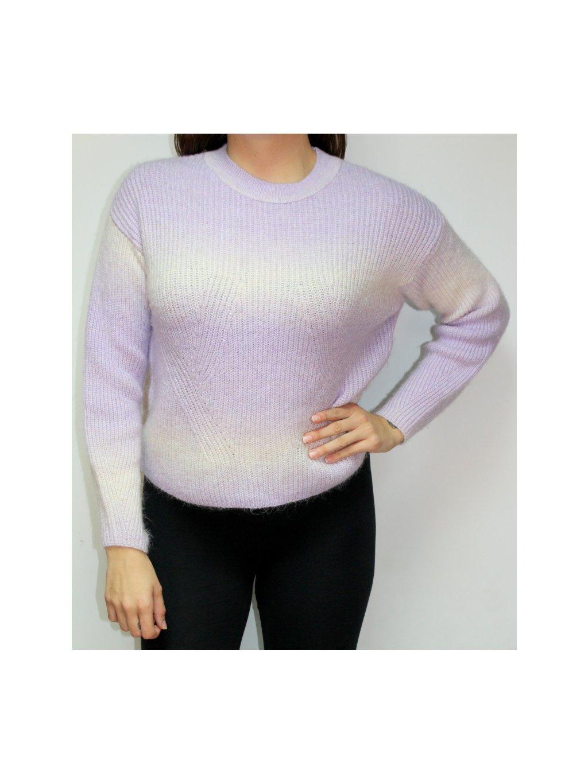 fialovo bílý svetr z příjemného materiálu
