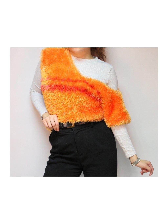 oranžová chlupatá vesta