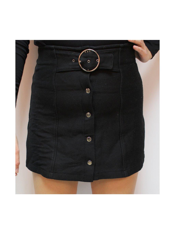 černá sukně s páskem