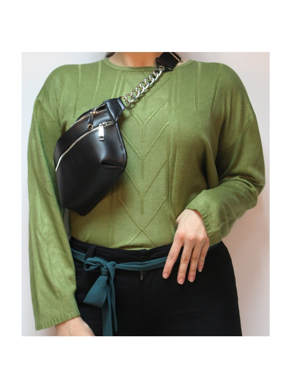 Zelený svetr se vzorem