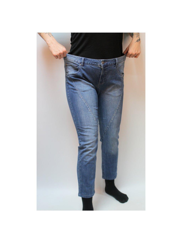 modré klasik džíny