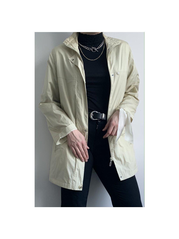 krémový jarní kabátek