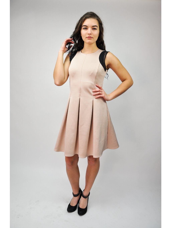 cute pudrové šaty