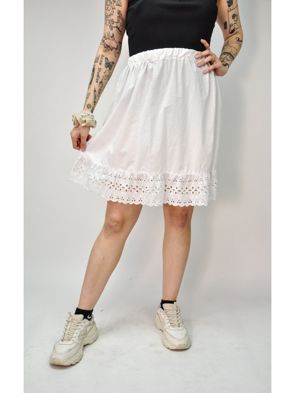 bílá spodničková  sukně s krajkou