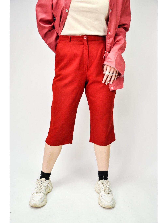 červené vintage capri