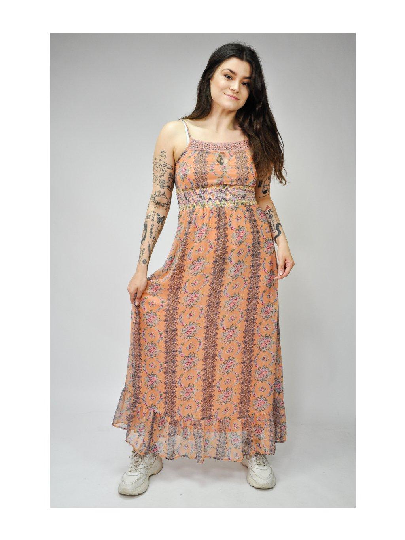 oranžové šaty z lehkého materiálu se vzorem