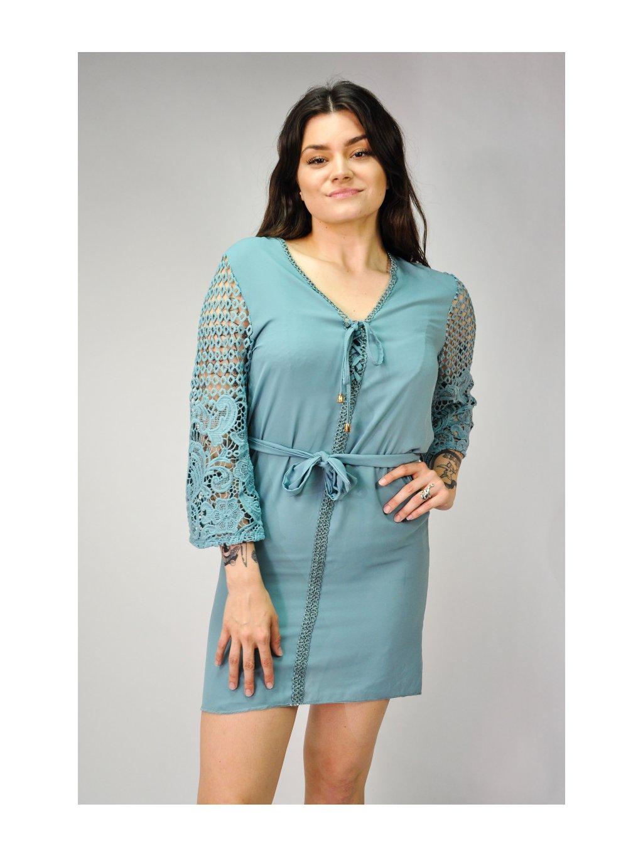 pastelově modré letní šaty