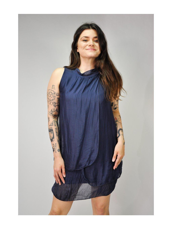 tmavě modré vrstvené šaty z hedvábí