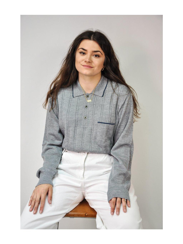 šedý vintage svetr
