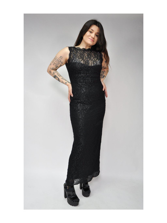 krásné černé šaty s krajkou