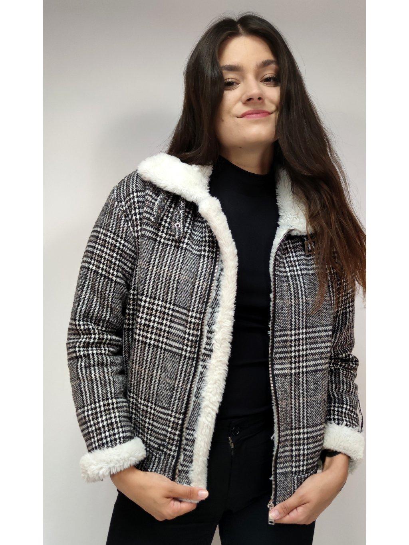 zateplená bunda s umělým kožíškem