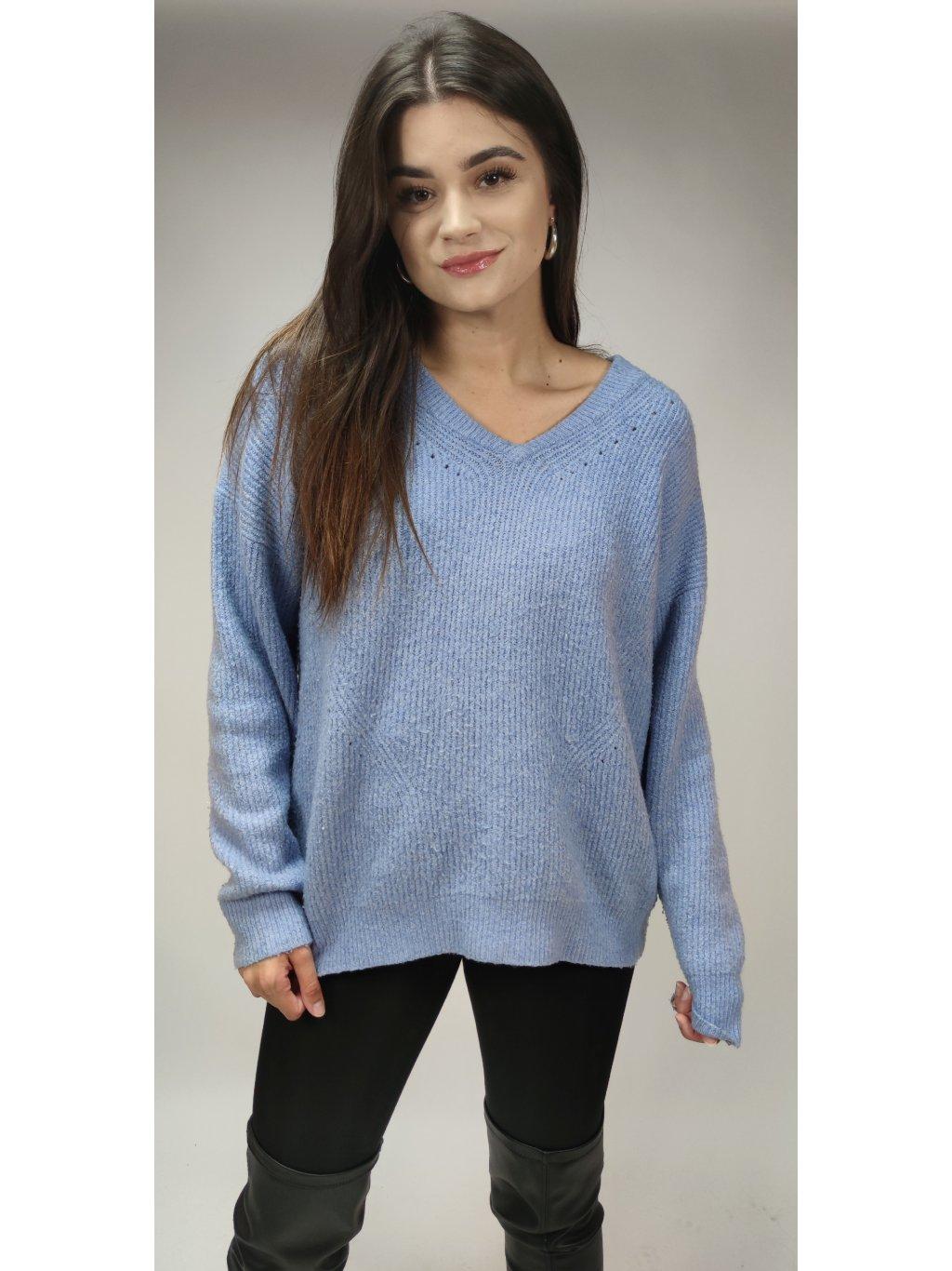 modrý svetr