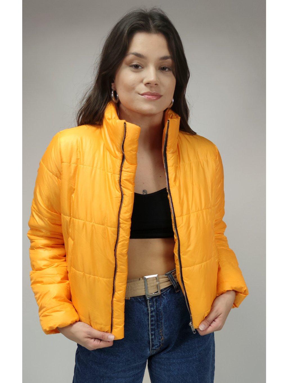 žlutá podzimní bunda