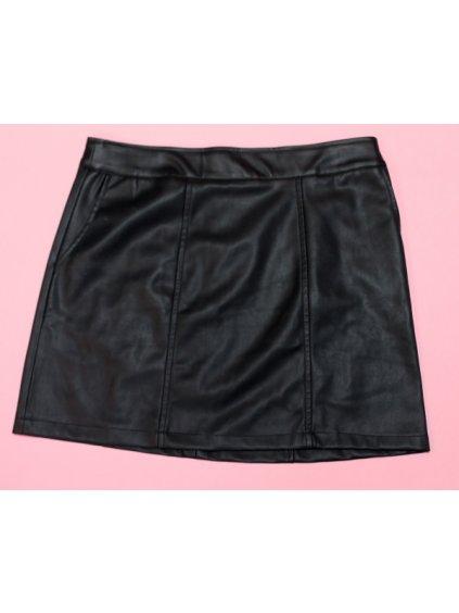 černá koženková sukně s kapsami