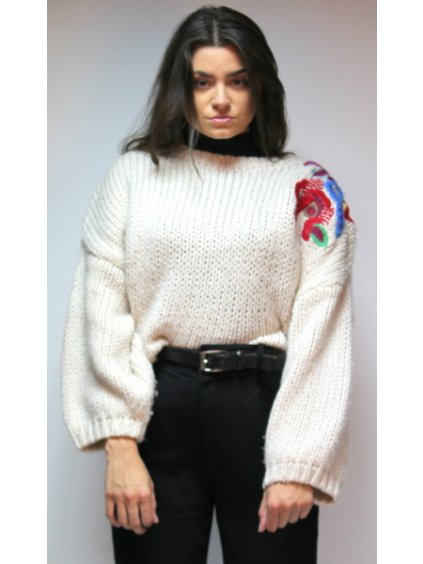 krémový svetr s výšivkou