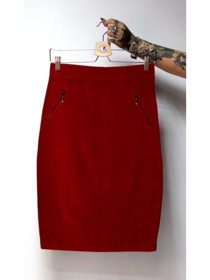 červená manšestrová sukně