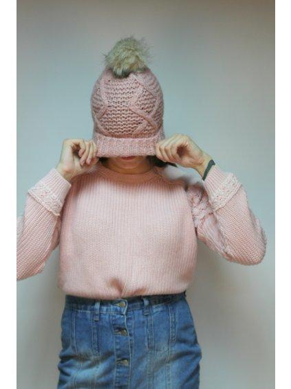 růžový svetr s krajkou na rukávech
