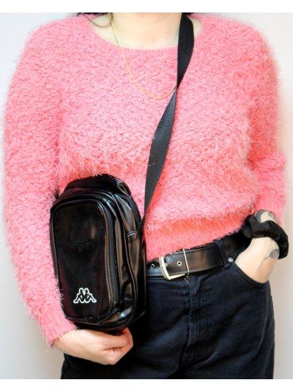 růžový fluffy svetr