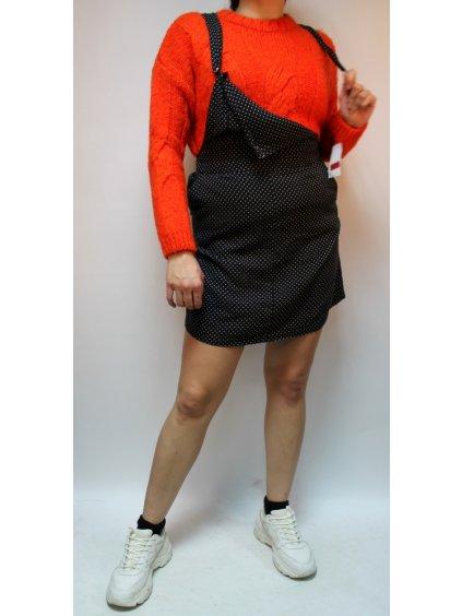 oranžový svetr s vypleteným vzorem
