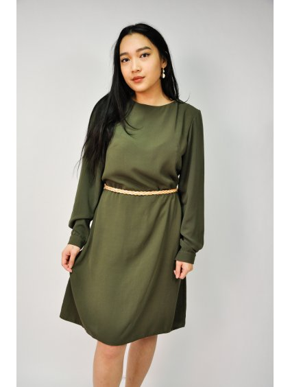 zelené šaty s páskem
