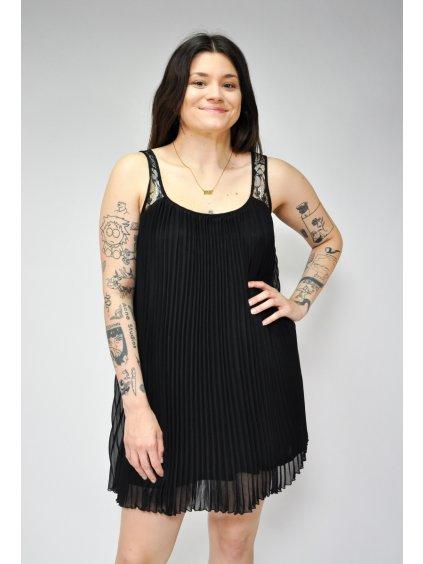 černé prodyšné letní šaty
